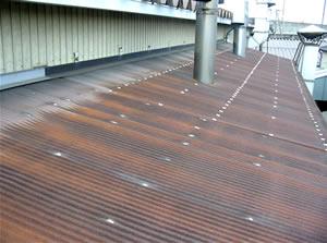 屋根漏水 コーキング作業